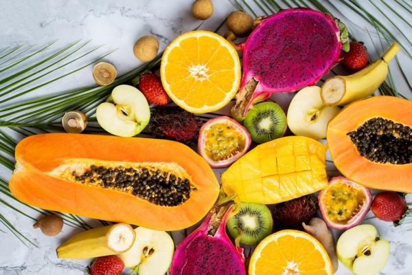 Fruits exotiques coupés en deux vue de dessus - Gamme fruits et légumes