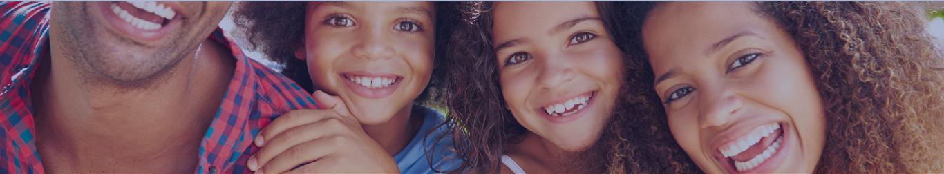 En tête famille métisse avec un grand sourire blog La maison Créole